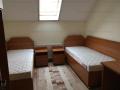 Apartament cu 3 camere, decomandat, central