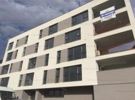 Vand apartament 3 camere bloc nou