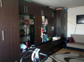 Vand apartament 2 camere Marasti