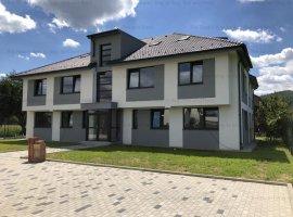 Apartament 4 camere cu Gradina in Bloc tip Vila Floresti
