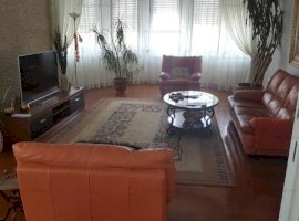 Apartament 4 camere 180 mp ideal locuit - Universitate