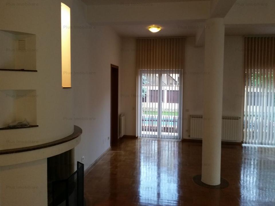 Vila de 7 camere nemobilata pretabila locuit sau birouri +Piscina