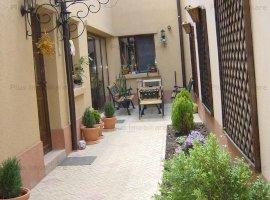 Vila de 4 camere in zona Banu Manta