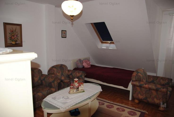 Apartament de închiriat la casa, zona Milea