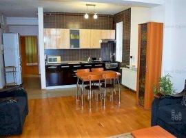 Apartament decomandat, 2camere - zona Mediu