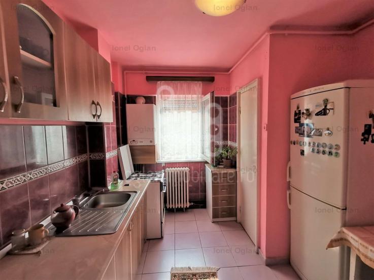 Ap 4 camere decomandate Vasile Aaron - COMISION 0%