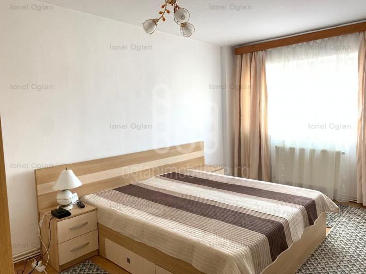 EXCLUSIVITATE  Apartament 4 camere, decomandat, pivnita, STRAND