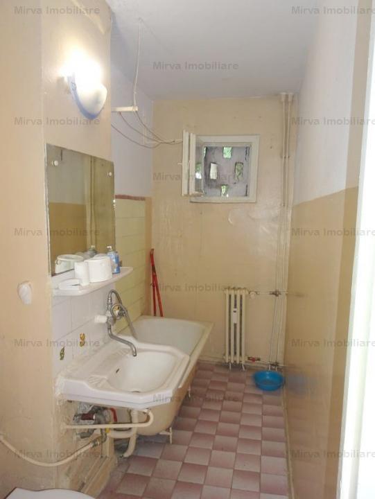 Vanzare apartament, 3 camere, zona Malu Rosu