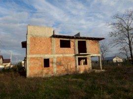 Vila la rosu, 5 camere, in Strejnicu