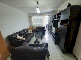 Vanzare apartament 3 camere, decomandat, zona Bld.Bucuresti
