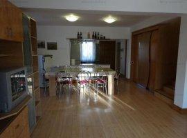 Vanzare vila 4 camere, in duplex, mobilata si utilata, in Bucov