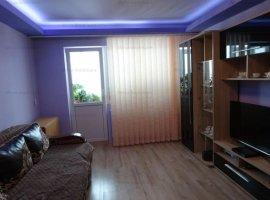 Vanzare apartament 3 camere, decomandat, mobilat, zona Vest