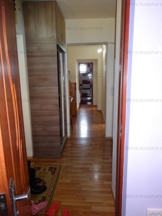 Vanzare apartament 3 camere, decomandat, zona Vest
