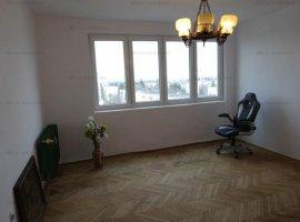 Vanzare apartament 3 camere, 2 balcoane, zona Nord