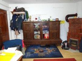 Vanzare casa 4 camere, zona Ana Ipatescu