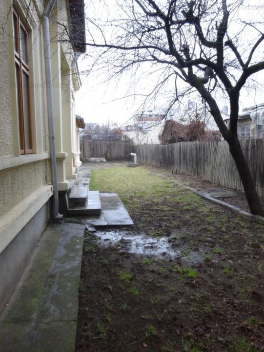 Vanzare casa 4 camere, arhitectura deosebita, zona Mihai Bravu