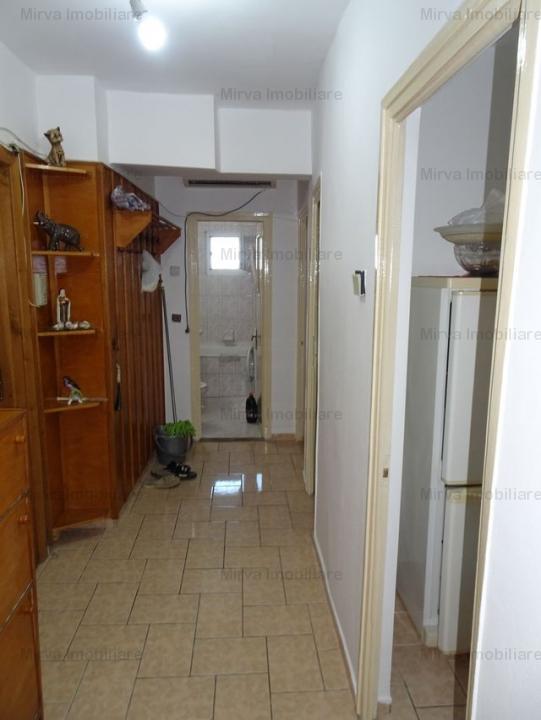 Vanzare apartament 2 camere, decomandat, zona Ultracentral