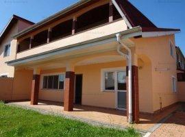 Vanzare vila 5 camere, in Bucov