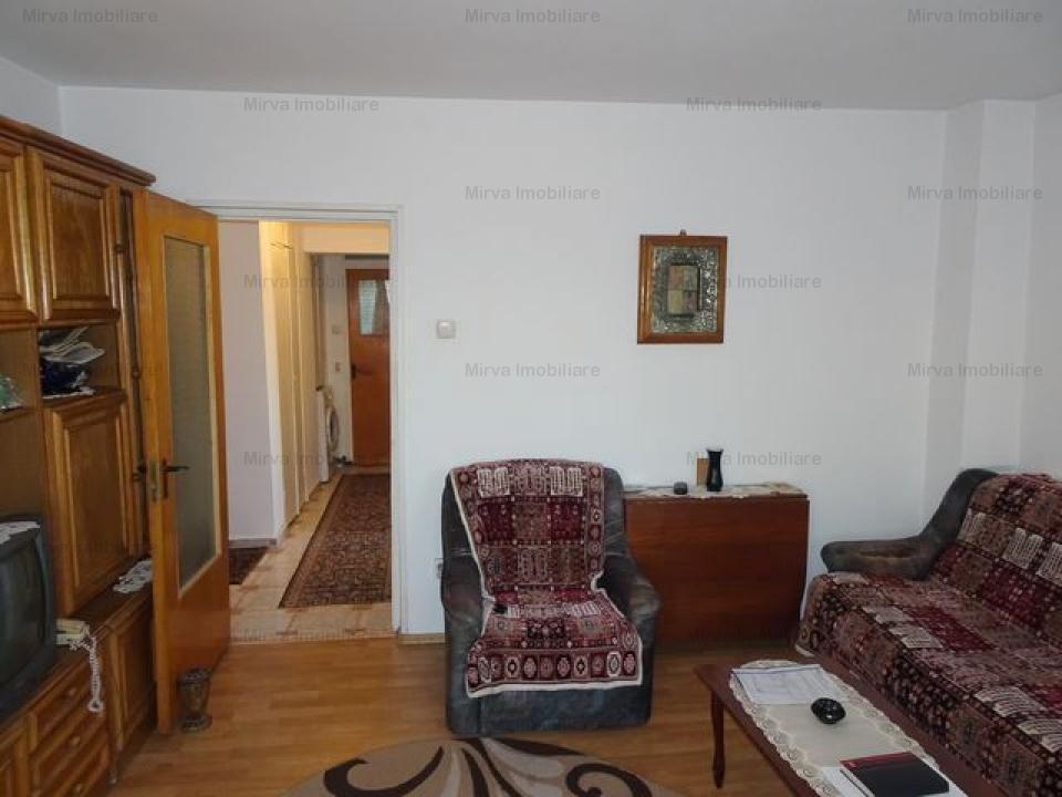 Apartament 3 camere, decomandat, zona Gheorghe Doja