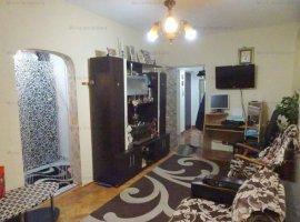 Vanzare apartament 2 camere, transformat in 3 camere, zona Nord