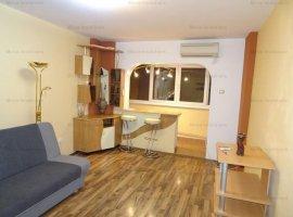Apartament 2 camere, 2 balcoane, decomandat, zona Bulevardul Bucuresti