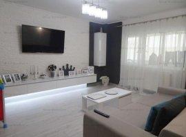 Vanzare apartament, 3 camere, De Lux, balcon si beci, zona Cantacuzino