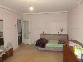 Vanzare apartament 2 camere, decomandat, zona 9 Mai