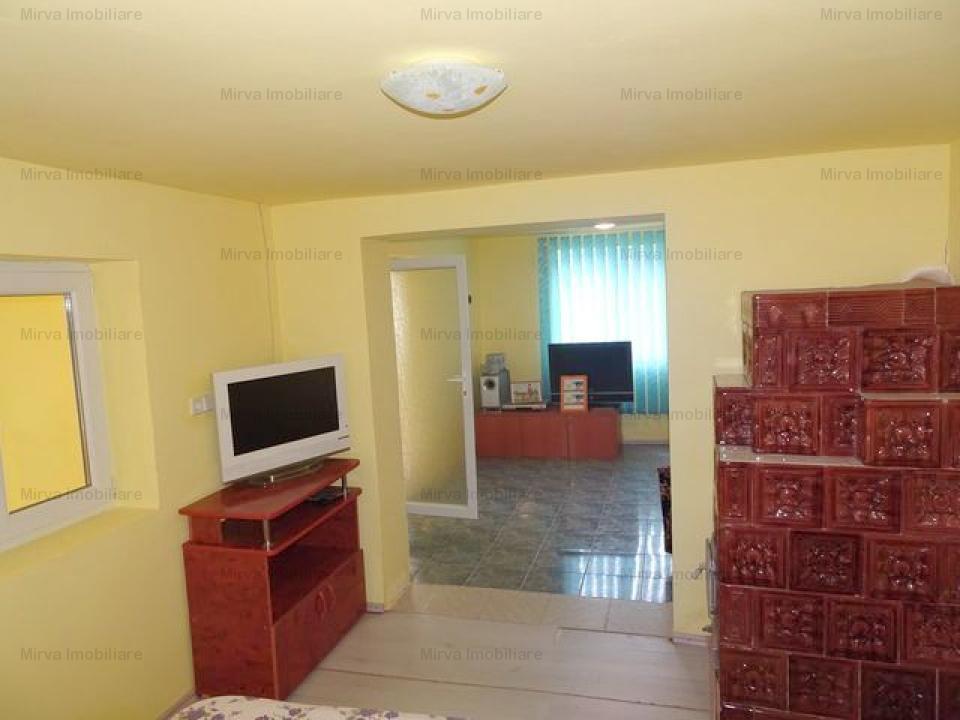 Casa cu 3 camere , in Manesti