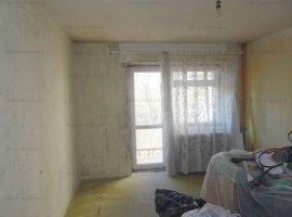 Vanzare apartament 2 camere, decomandat, zona Vest-Aurora
