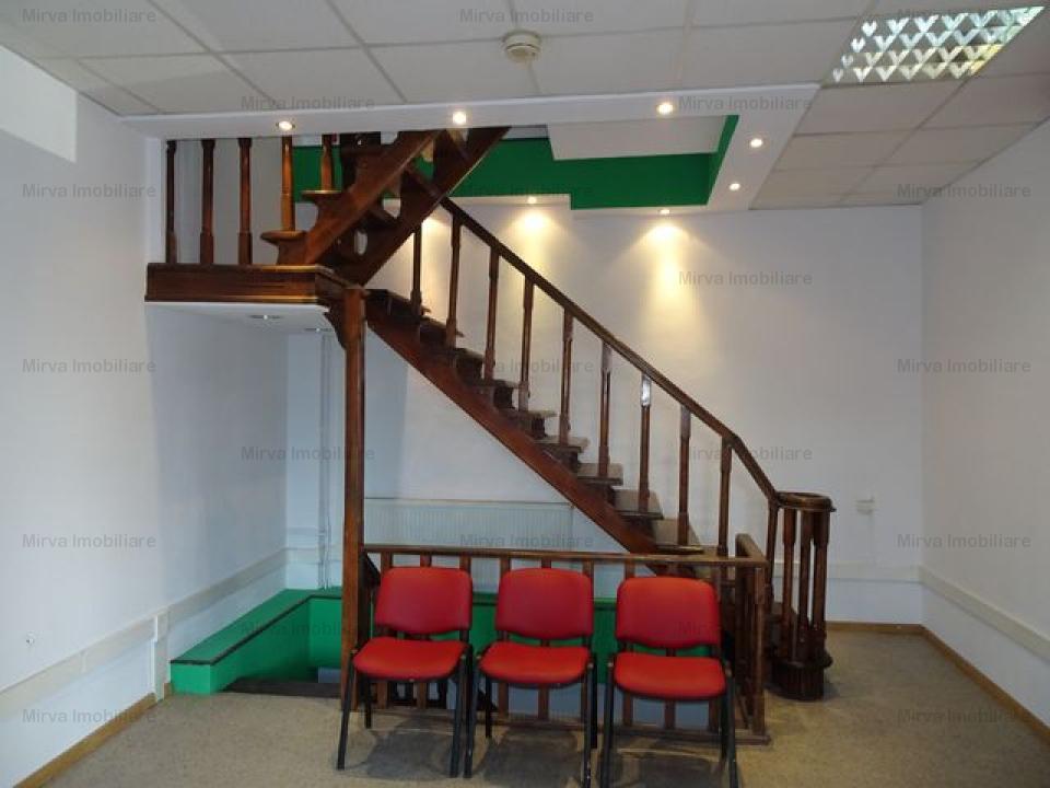Inchiriere spatiu birouri, 11 camere, zona Buna Vestire