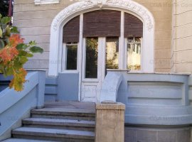 Vila de vanzare,10 camere, 420 mp utili, in zona Bd Dacia