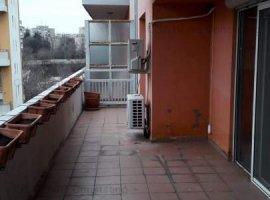 Penthouse de vanzare, living de 41 mp, 120 mp utili, zona POLITEHNICA