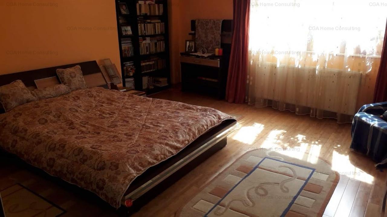 Apartament 243 mp utili,  de vanzare, 4 camere,  zona Dacia