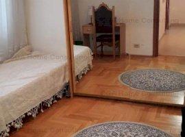 Apartament 4 camere de vanzare in Piata Victoriei