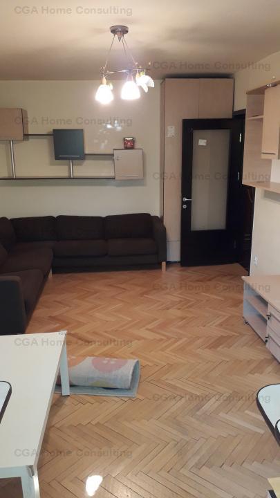 Apartament 3 camere de vanzare intr-o zona superba