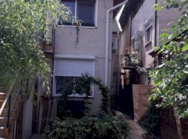 Casa de vanzare 4 camere, 2 INTRARI  zona Domenii/1 Mai