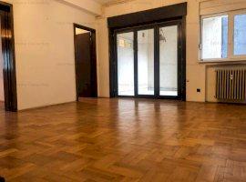 Apartament de vanzare 4 camere, Piata Romana