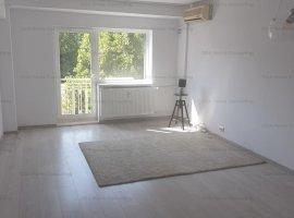 Apartament 3 camere ultracentral,loc de parcare inclus 690 EURO