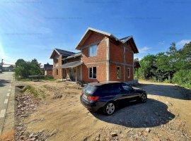De Vanzare Casă / Vilă Duplex in Zona Prundu Mic