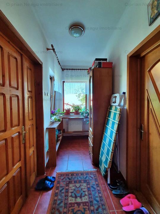 COMSIION 0% Casă / Vilă cu 10 camere de vânzare în zona Fratii Golesti