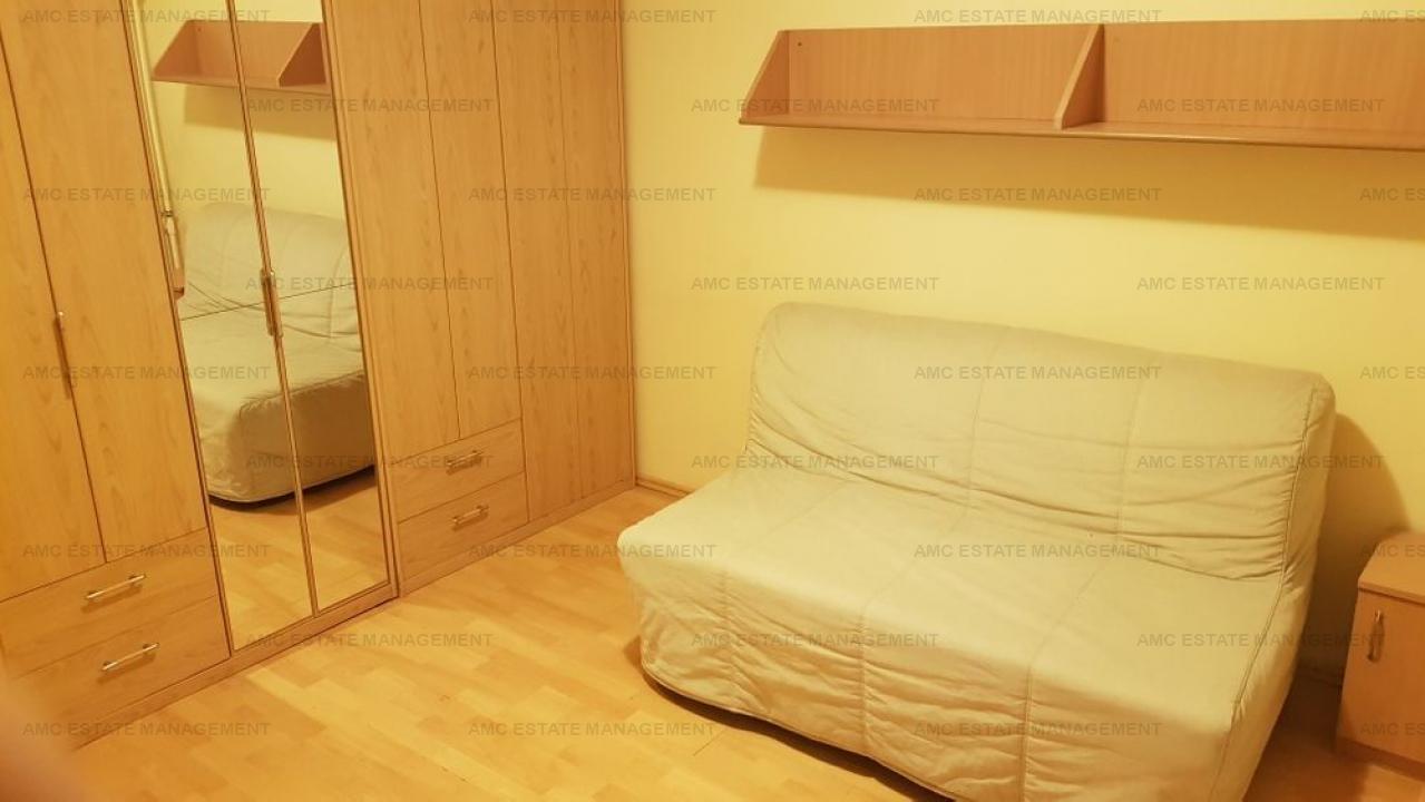 De vanzare 4 camere bloc reabilitat - Piata Sudului