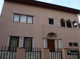 Vanzare vila cu acces dublu si gradina Piata Dorobanti
