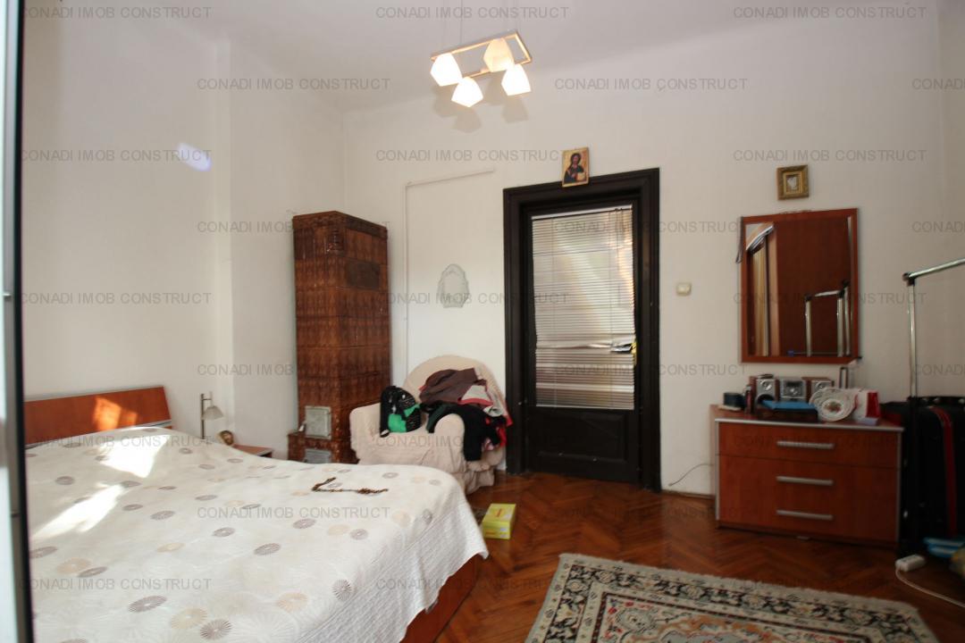 Vanzare Jumatate de vila-6 Camere-Cotroceni
