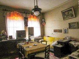 Vanzare Apartamet 3 Camere in Vila-Parcul Carol