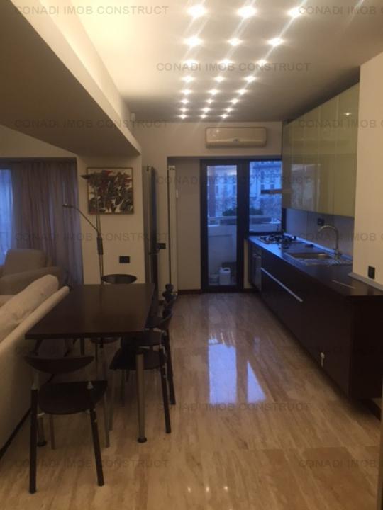Apartament cu 3 camere spre vanzare zona Piata Constitutiei