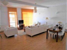 Inchiriere penthouse 3 camere, parc Herastrau - Casa Presei