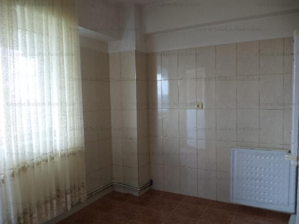 Vand apartament fond nou central