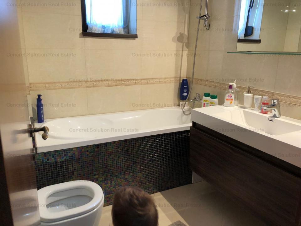Vand apartament 3 camere de lux  Gavana