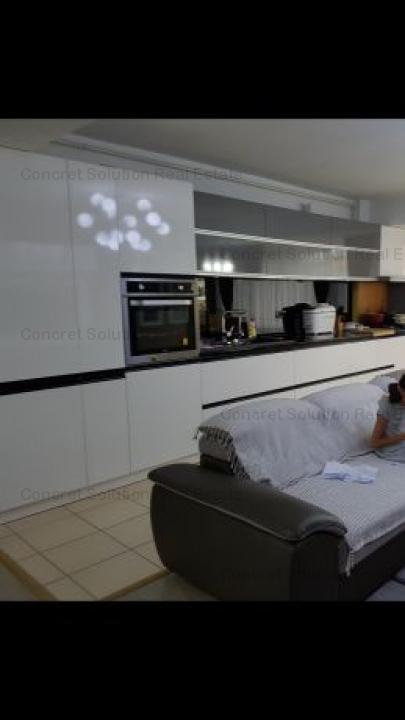 Vand apartament 3 camere de lux