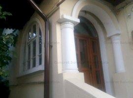 Vand casa situata in Centrul orasului Pitesti